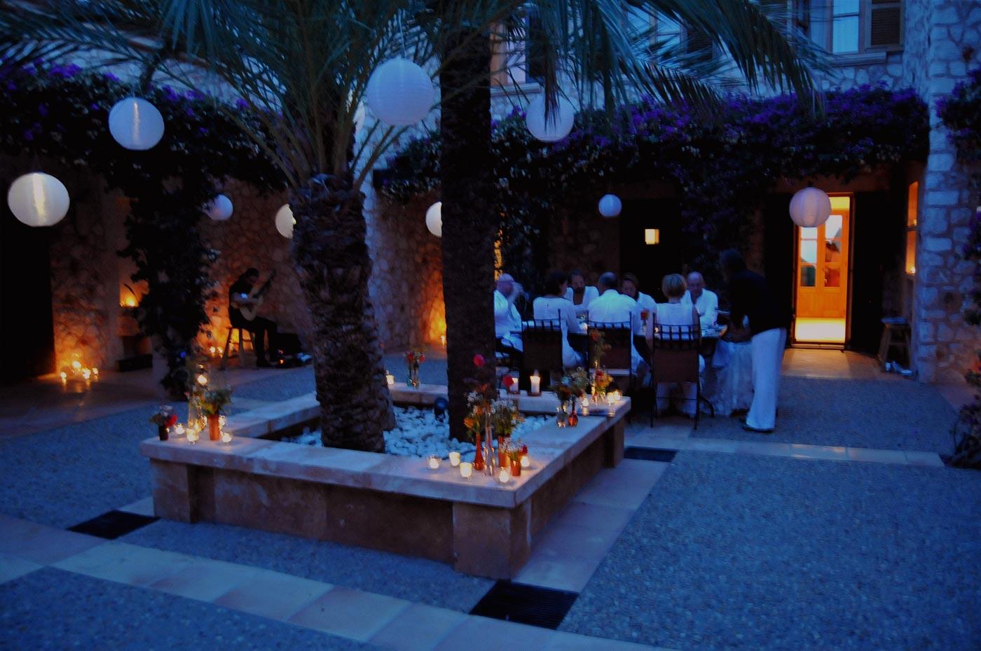 Abendstimmung beim Hochzeitsdinner