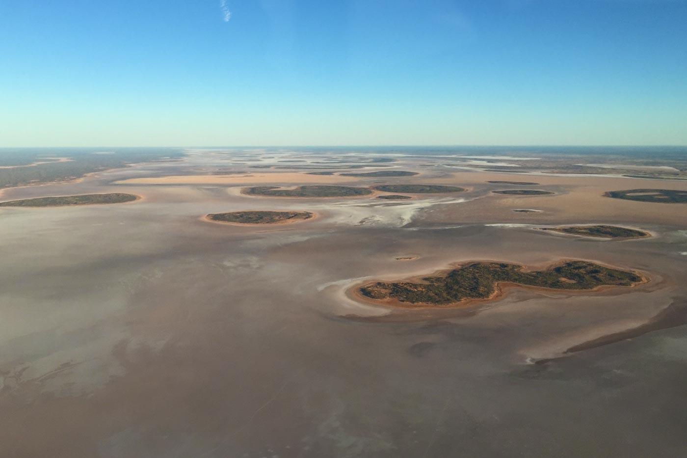 Salzsee im australischen Outback