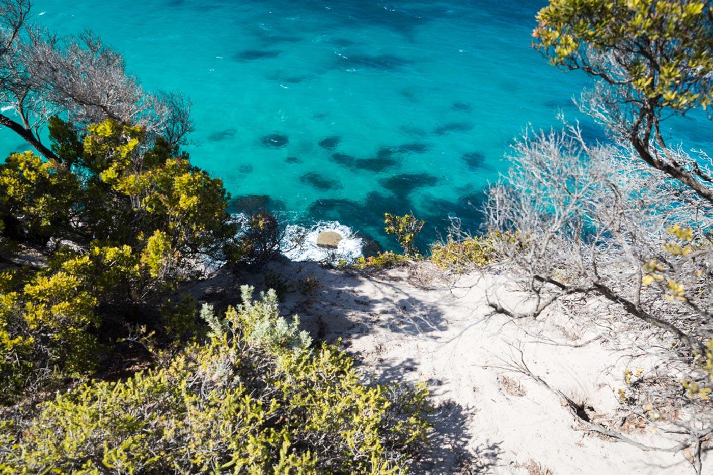 Das Wasser des Südpazifik ist türkisblau.