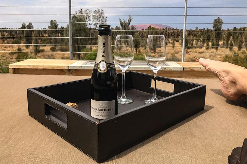 Champagner am Uluru