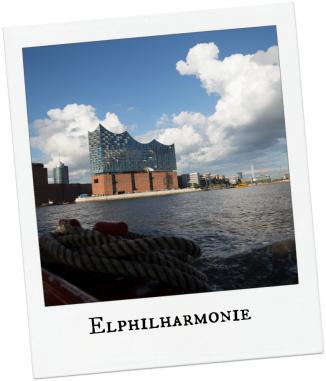 Elbphilharmonie vom Wasser aus