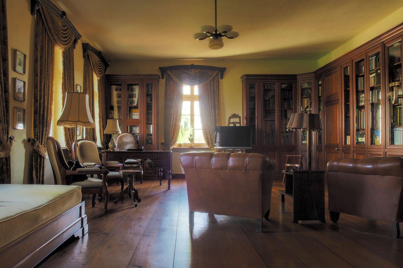 Bibliothek Gut Allmoyen