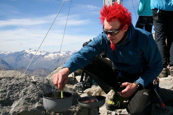 Stefan Opgen-Rhein kocht auf dem Gipfel