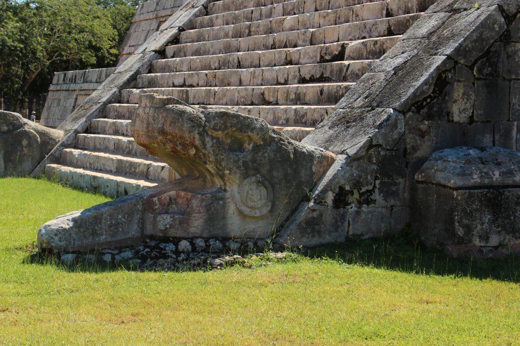 Details Pyramide