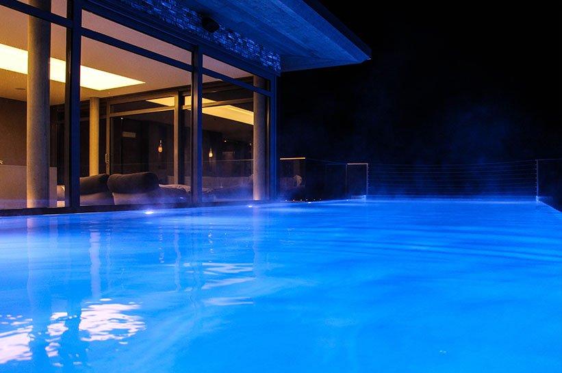 Pool bei Nacht Hotel Seegarten