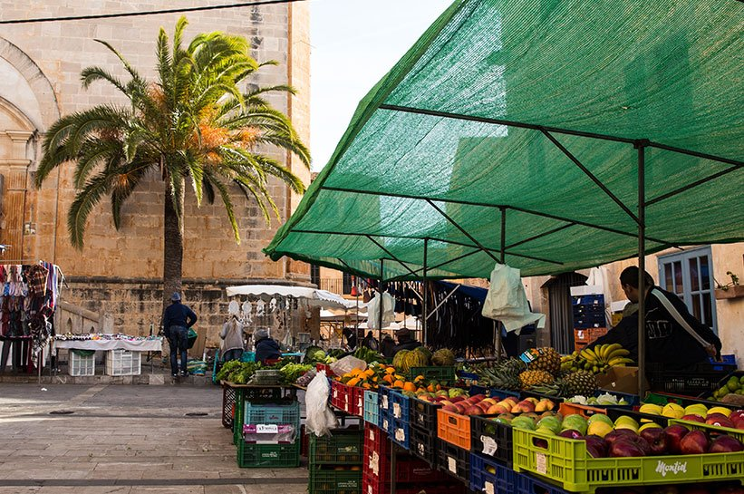 Markt in Santanyi auch im Frühjahr
