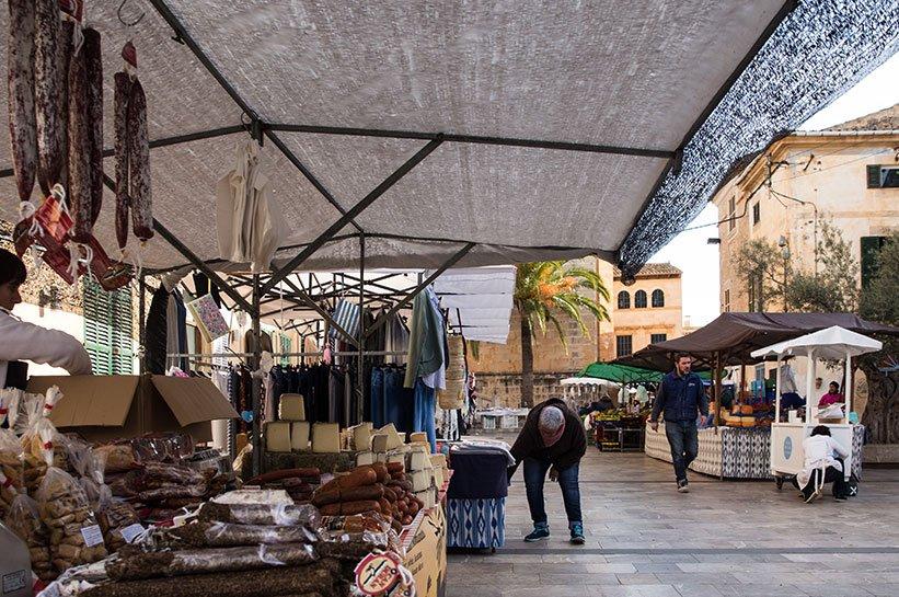 Markttag in Santanyi auf Mallorca