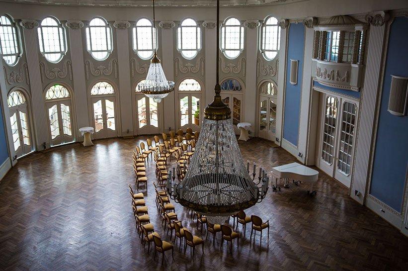 Heiraten im Ballsaal an der Ostsee im Grand Hotel Travemuende
