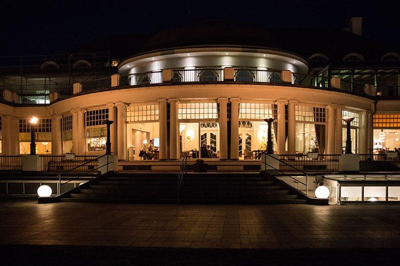 Grand Hotel bei Nacht