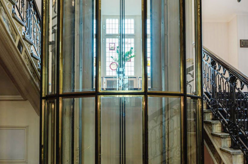 Fahrstuhl aus Glas Nassauer Hof Wiesbaden