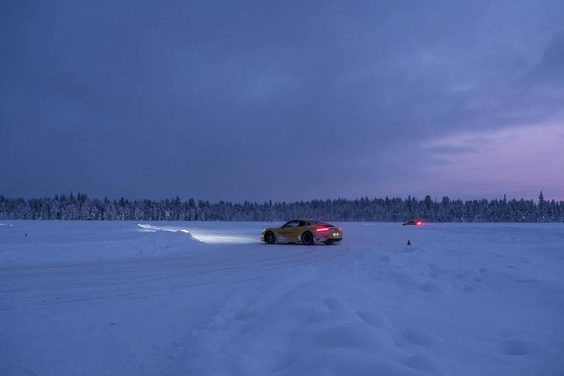 Porsche Camp 4 Finnland Lappland. Es wird dunkel.