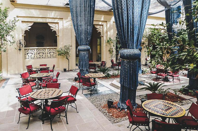 Dubai Luxushotel Innenhof