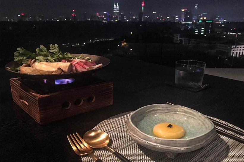 Kuala Lumpur Essen mit Blick auf Skyline