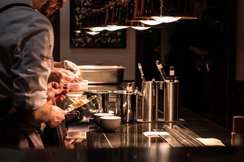 Orania Berlin Restaurant offene Küche
