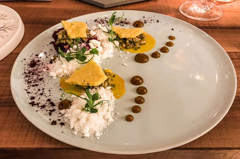 Orania Berlin Erfahrung Restaurant angerichteter Teller