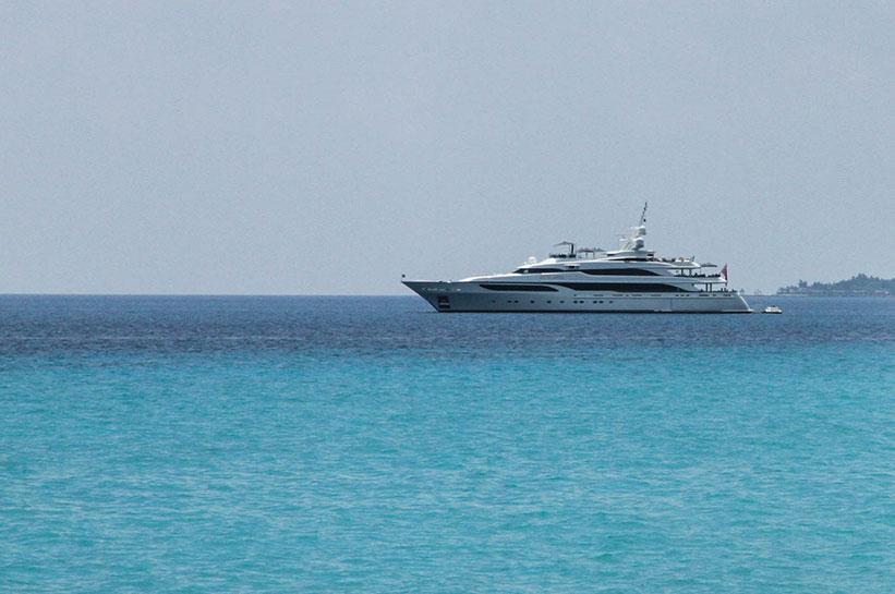 Yacht im Indischen Ozean