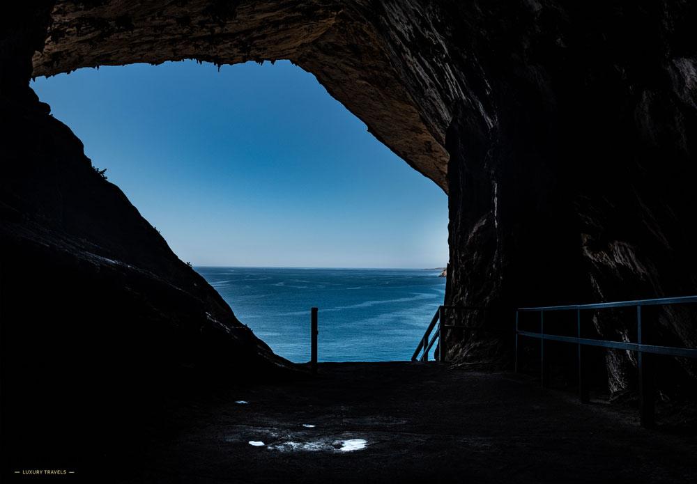 Blick aus der Höhle von Arta