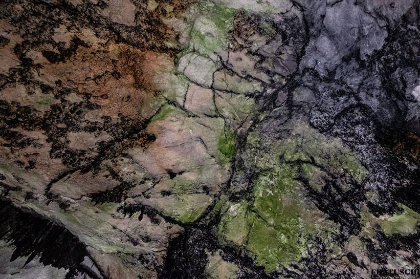 Mallorca Sehenswürdigkeiten Arta Höhlen bunte Decke
