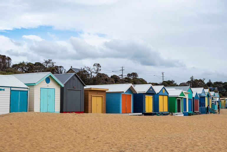 Beach Boxes am Strand auf der Mornington Peninsula