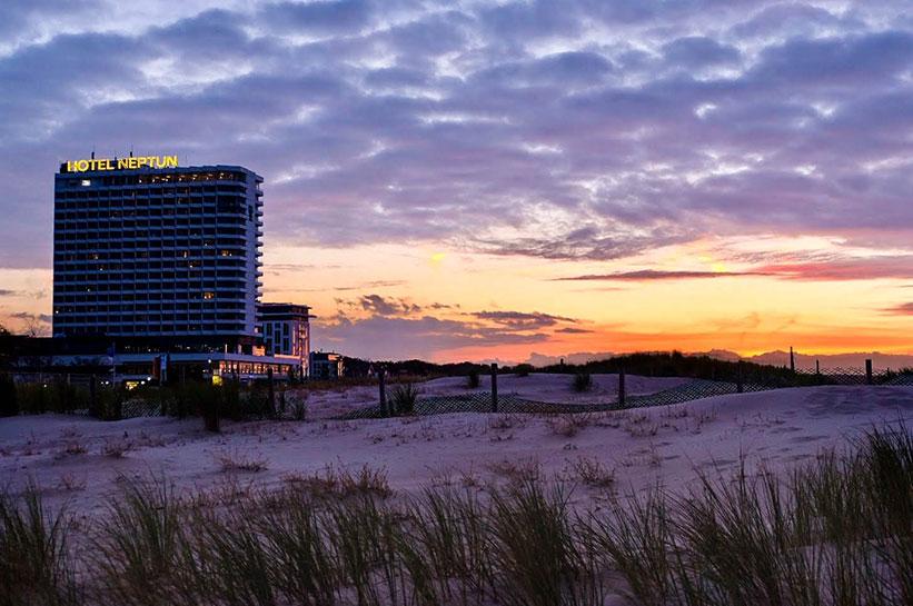 Warnemünde Hotel direkt am Strand - Hotel Neptun