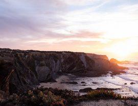 Herbsturlaub: Westküste Portugal Alentejo im Sonnenuntergang