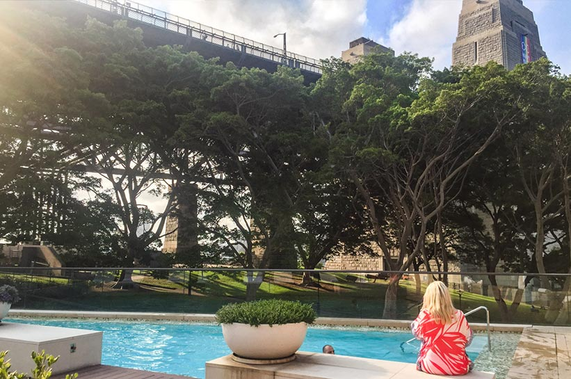 Pool auf dem Dach des Hyatt in Sydney