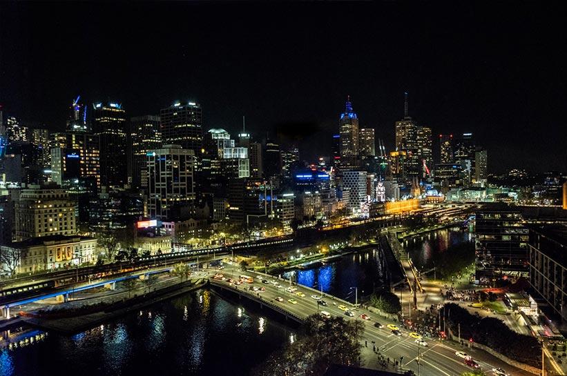 Melbourne Blick auf die Stadt bei Nacht