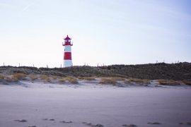 Ellenbogen Sylt - Leuchtturm rot weiss