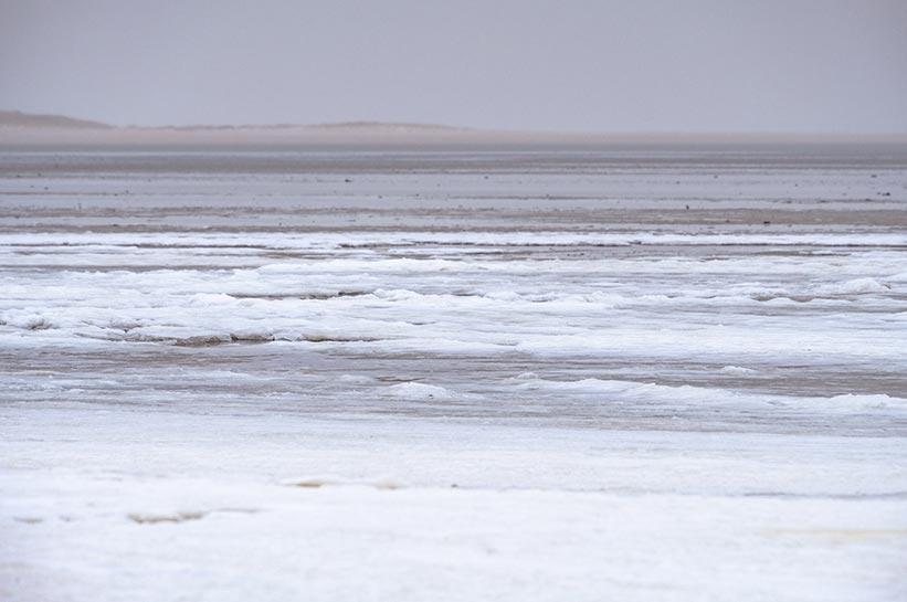 Ellenbogen Sylt im Winter- gefrorenes Watt