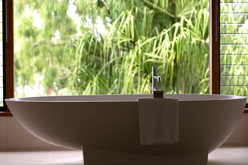 Qualia Resort Bathtub
