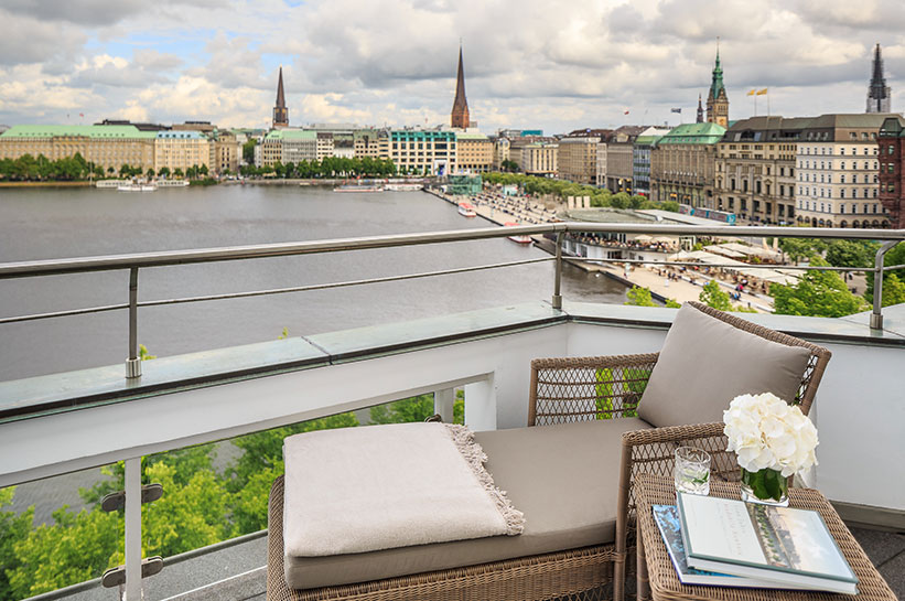 Blick vom Balkon Vier Jahreszeiten Hamburg