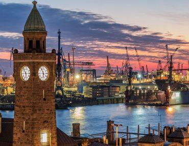 Hamburg für Verliebte - Hafen bei Nacht