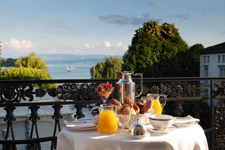 Pressefoto Baur au Lac - Hotel Blick auf den See in Zürich