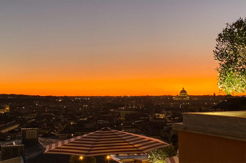 Sonnenuntergang Dachterrasse Rom