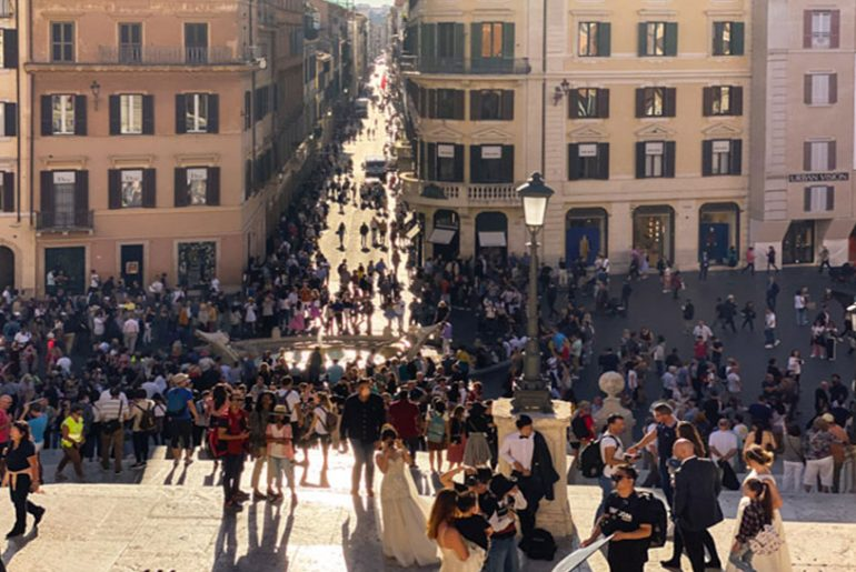 Spanische-Treppe-Touristenmassen-Rom