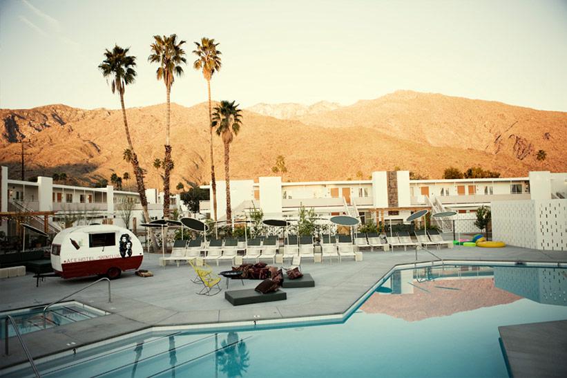 Hotel mit Kindern in Palm Springs - Pool Landschaft