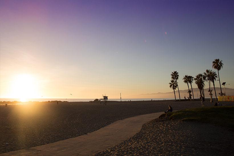 Sonnenuntergang am Strand von Venice Beach