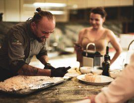 Kochkurs auf mallorca: Fisch in Salzkruste