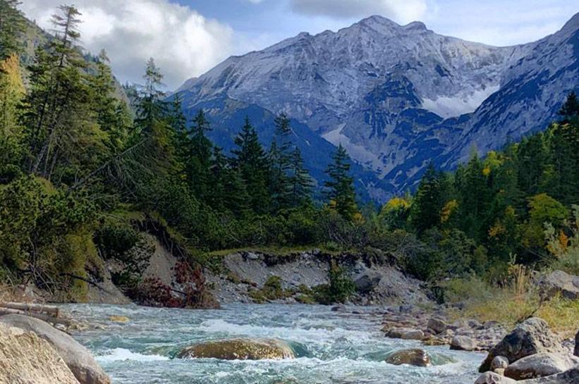 Impressionen Berg und Fluss Eng Wellspa Portal