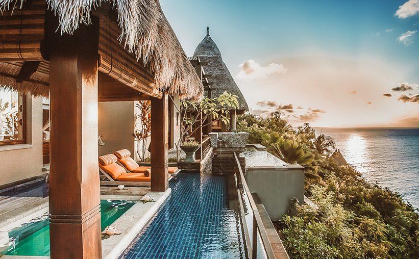 Insel Seychellen Blick vom Pool