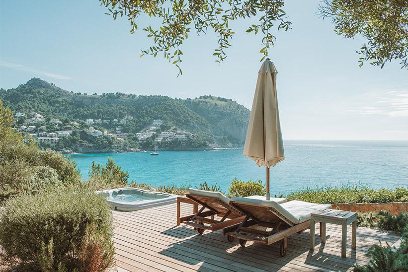 Mallorca Blick auf Bucht und Whirlpool
