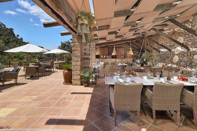 Restaurants LJs Ratxo Boutique Hotel